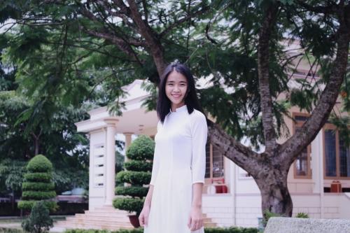 Đồng phục học sinh trường THPT Chuyên Bảo Lộc - Năm học: 2017 - 2018