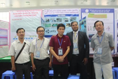 Học sinh trường THPT Chuyên Bảo Lộc tham gia cuộc thi KHKT Cấp quốc gia dành cho học sinh Trung học năm khu vực phía Nam tại Đồng Nai