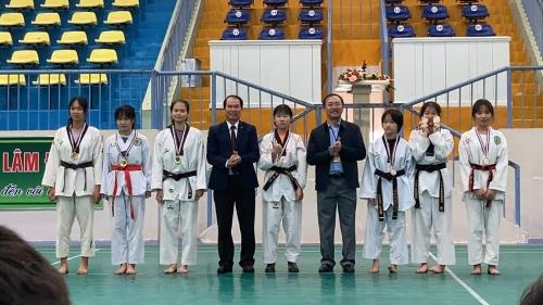 Kết thúc giải Thể thao học sinh năm học 2020 - 2021, trường THPT Chuyên Bảo Lộc đạt huy chương 4/6 nội dung tham gia