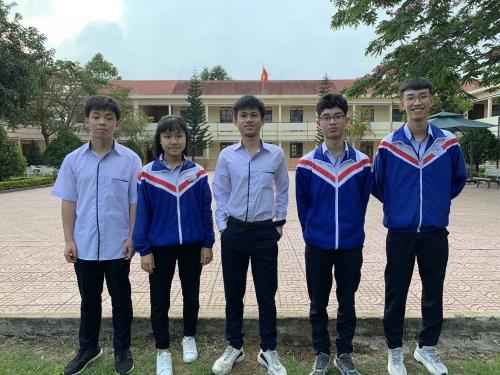 Ngôi trường có 16 học sinh nhận học bổng du học Nga