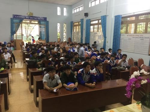 Tổ chức giáo dục giới tính cho các em học sinh