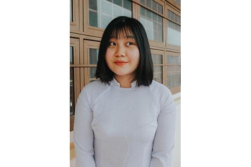 Cao Thị Lê Mai – Thủ khoa khối D – 25,15 (Toán 7.8, Văn 8.75, Anh 8.6)