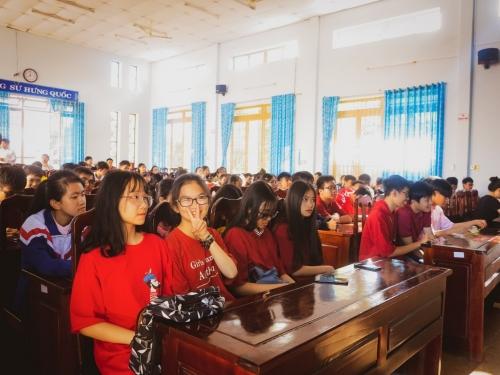 Câu lạc bộ toán học tổ chức ngoại khóa 2019